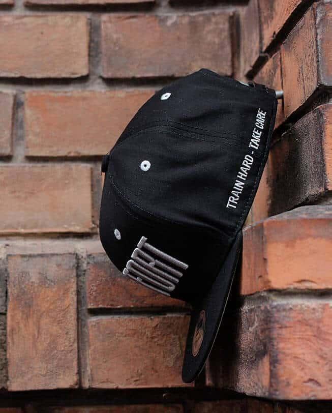 snapback cap black etrefort.