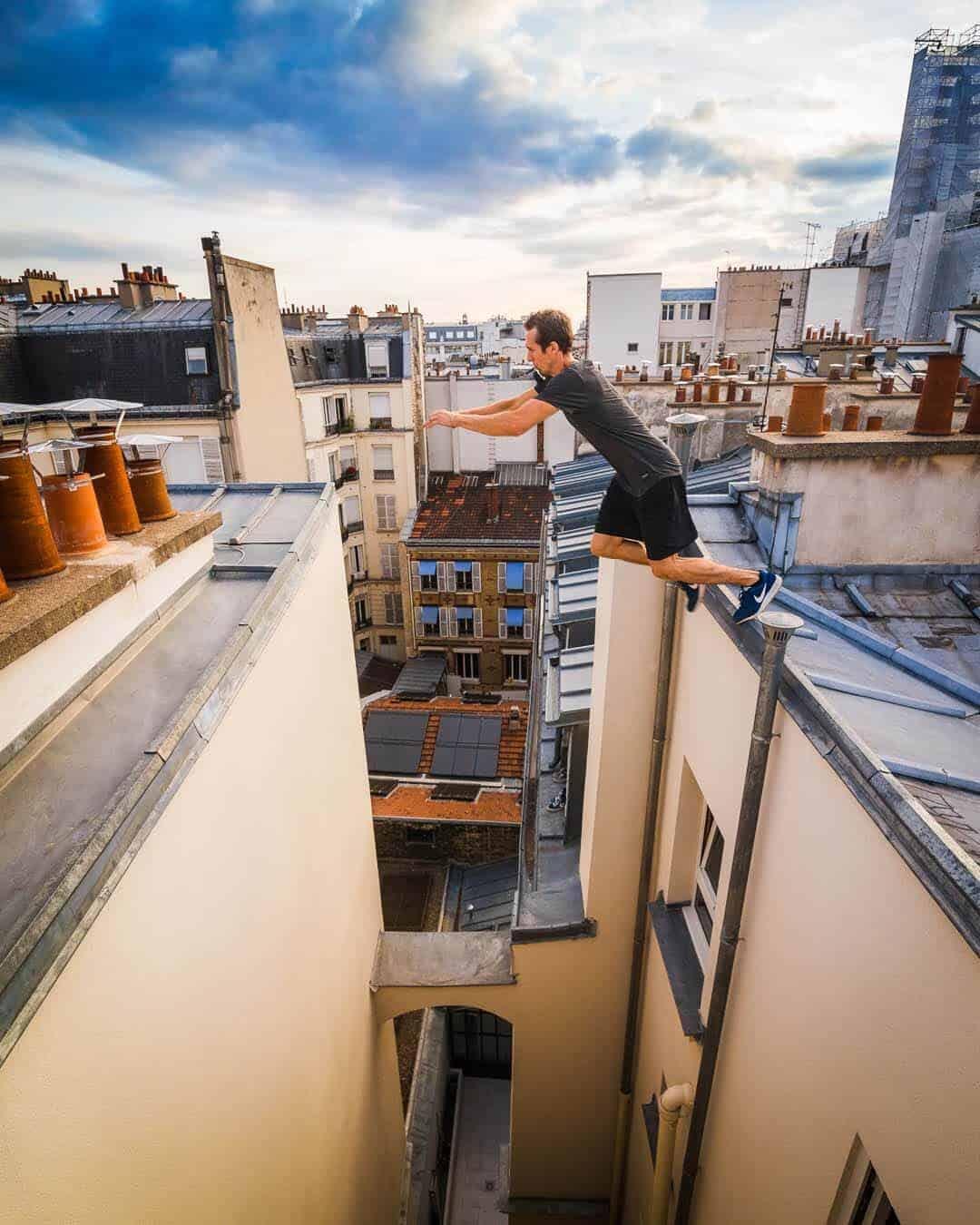 etrefort thibaut parkour clothing outdor paris rooftop pov armjump