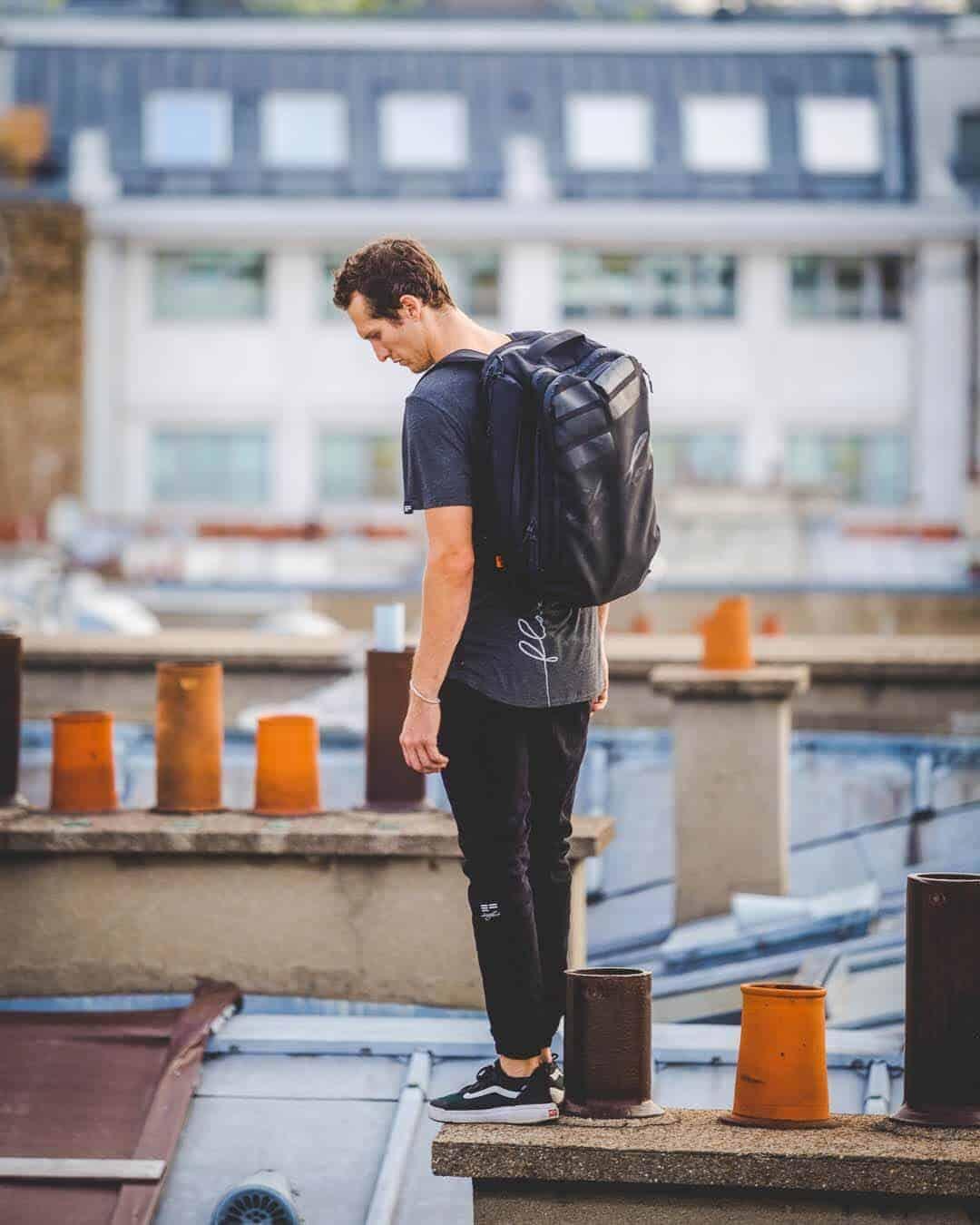 etrefort thibaut parkour clothing outdor paris rooftop pov down